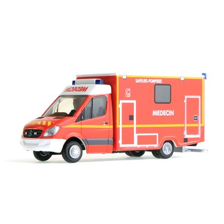 MERCEDES Pompiers Medecin-HO-1//87-RIETZE 61786