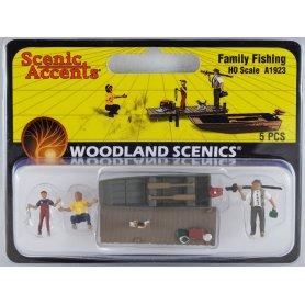 Pêche en famille avec barque HO - WOODLAND SCENICS A1923