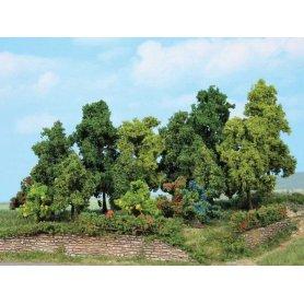 HEKI 1996 - 18 arbres à feuilles 1 à 11 cm - échelle HO et N
