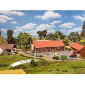 Ferme complète, bâtiments agricoles - échelle N - Faller 232367