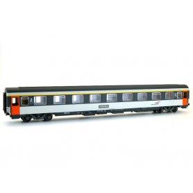 Voiture Corail VSE B9u 2ème classe casquette ép V - SNCF - HO - LS Models 40371