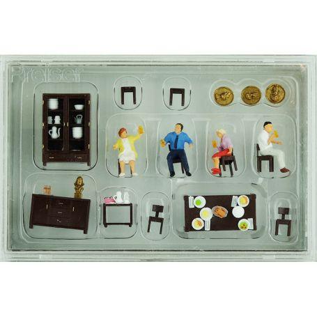 Repas en famille, salle à manger échelle HO 1/87 - PREISER 10657